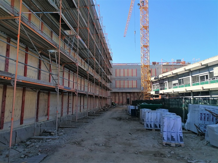 Die Baustelle auf dem Schulgelände